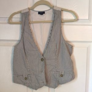 American Eagle Striped Vest